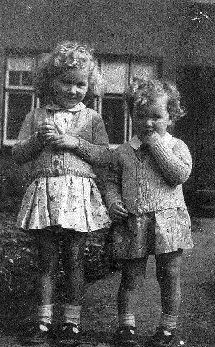 Joan & Gillian Graves outside their house in Shooters Hill.  Joan was aged about 5 years old at the time.