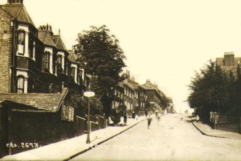 Postcard of Plumstead Common Road c.1910