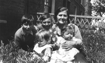 The Riley Family in 1935 showing George  and Fred, Isabel, Maud with Jean and Molly
