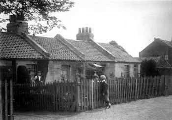 Cottages in Kings Highway, c.1923. Photo:                           Greenwich Heritage Centre